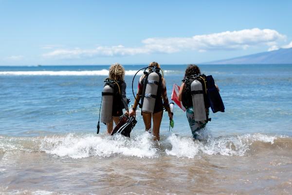 olawalu beach diving